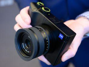 Zeiss ZX1 kamera, duyurudan iki yıl sonra ön siparişe açıldı