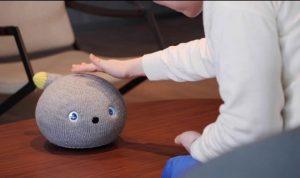 Panasonic ilginç ve sevimli bir robotu piyasaya sürdü